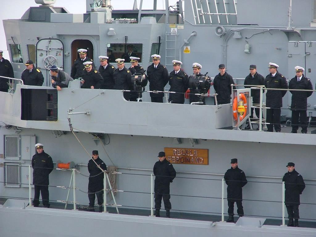 thumb-naval